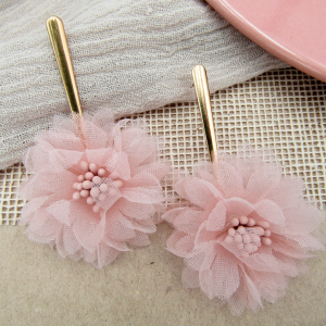 Arete Gardenia rosado Nurhia Accesorios